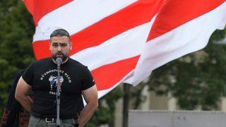 Budapest, 2013. augusztus 25.Tyirityán Zsolt, a Betyársereg vezetője beszél a bíróság által jogerősen betiltott Magyar Gárda megalapításának hatodik évfordulóján tartott megemlékezésen Budapesten a Hősök terén 2013. augusztus 25-én. MTI Fotó: Bruzák Noémi