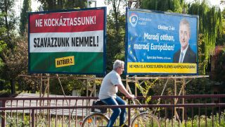 óriásplakát MTI Fotó: Czeglédi Zsolt
