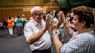 Budapest, 2016. szeptember 9.Résztvevők táncolnak Magyarország első Országos Szeniortánc-találkozóján, amelyet a Magyar Nyugdíjasok Országos Szövetsége rendezésében tartanak Budapesten, a Csillebérci Szabadidő Központban 2016. szeptember 9-én.MTI Fotó: Balogh Zoltán