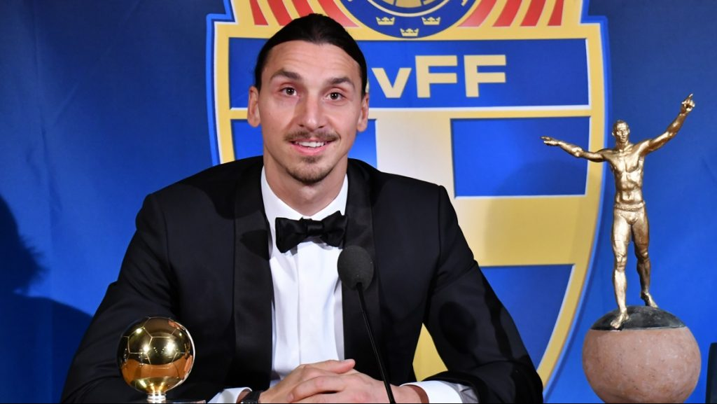 STOCKHOLM, SWEDEN - NOVEMBER 21: Zlatan Ibrahimovic of Manchester United is seen with his statue after he won Sweden's Golden Ball award for the country's best player for the 10th year in a row in Stockholm, Sweden on November 21, 2016. Atila Altuntas / Anadolu Agency