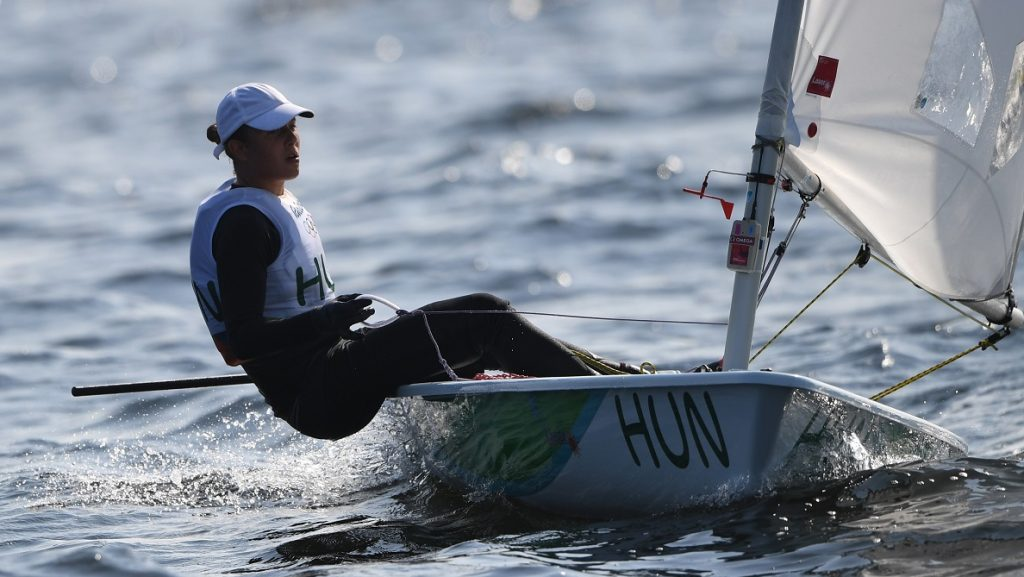 Hungary's Maria Erdi competes in the Laser Radial Women sailing class on Marina da Gloria in Rio de Janerio during the Rio 2016 Olympic Games on August 9, 2016. / AFP PHOTO / Greg BAKER
