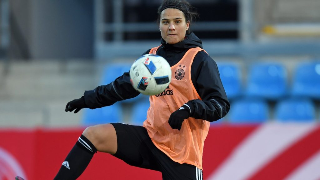 Dzsenifer Marozsán, captain of the German women's national soccer team, in action during a training session at the community4you Arena in Chemnitz, Germany, 28 November 2016. The German women's soccer national team faces Norway on Tuesday, 29 November 2016, in Chemnitz. Photo: Hendrik Schmidt/dpa-Zentralbild/dpa