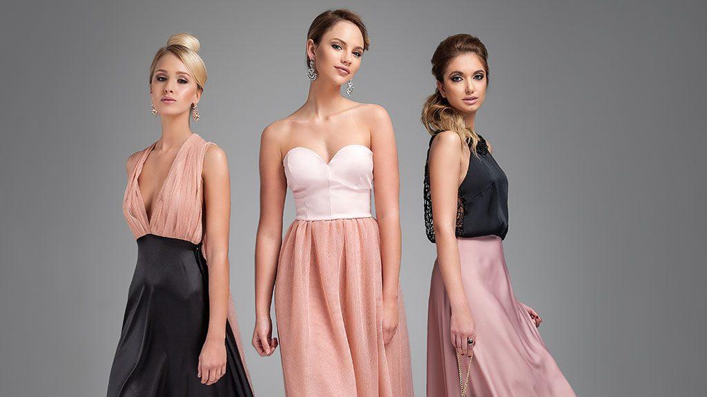 989f19af17 A Vogue-ban virít a 25 éves magyar lány ruhája | 24.hu