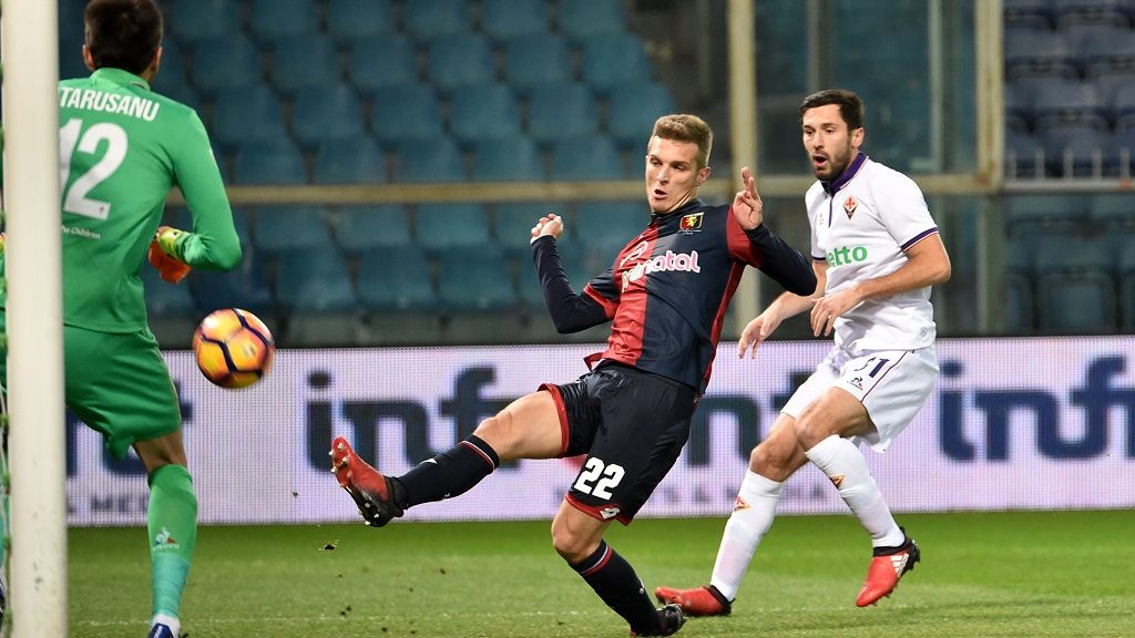 GENOA, GE - DECEMBER 15:  Darko Lazovic of Genoa scores a goal 1-0 during the Serie A match between Genoa CFC and ACF Fiorentina at Stadio Luigi Ferraris on December 15, 2016 in Genoa, Italy.  (Photo by Paolo Rattini/Getty Images)