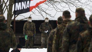 Nagykovácsi, 2010. február 13.Résztvevők a szónokot hallgatják az Egységes Magyarország Mozgalom Becsület Napja alkalmából tartott rendezvényén a Magyar Cserkészszövetség nagykovácsi parkjában.MTI Fotó: Szigetváry Zsolt