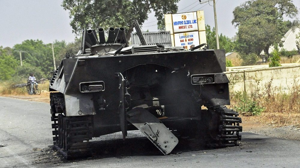 Mararaba-Mubi, 2015. március 4.  A Boko Haram nigériai szélsõséges iszlamista szervezet egyik páncélozott harcjármûve, amelyet nigériai katonák foglaltak le az északkelet-nigériai Mararaba-Mubi városban 2015. március 4-én.  (MTI/EPA/Henry Ikechukwu)