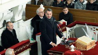 Mezőtúr, 2016. november 25.Lázár János, a Miniszterelnökséget vezető miniszter (k) beszédet mond a Mezőtúri Református Nagytemplomban 2016. november 25-én. Ezen a napon adták át a Mezőtúri Református Kollégium felújított Ókönyvtárát.MTI Fotó: Bugány János