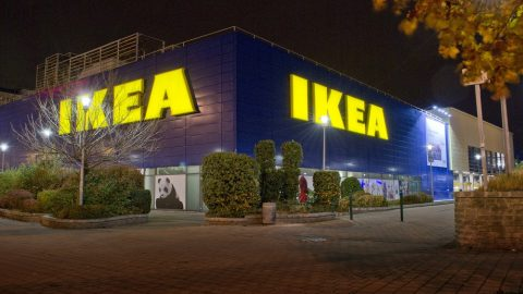 Budapest, 2014. november 15. Az IKEA áruház ünnepi díszkivilágításban a fõváros XIV. kerületében, az Örs Vezér téren. MTVA/Bizományosi: Róka László  *************************** Kedves Felhasználó! Az Ön által most kiválasztott fénykép nem képezi az MTI fotókiadásának, valamint az MTVA fotóarchívumának szerves részét. A kép tartalmáért és a szövegért a fotó készítõje vállalja a felelõsséget.