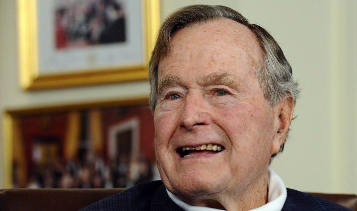 Houston, 2017. január 18. 2015. július 15-én készült kép idõsebb George Bush volt amerikai elnökrõl Houstonban. 2017. január 18-i sajtóértesülések szerint a 92 éves politikust a houstoni metodista kórházba vitték. (MTI/EPA/Larry W. Smith)