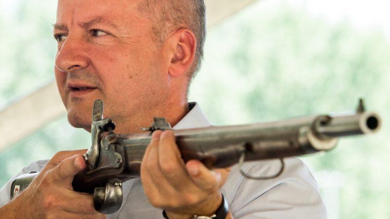 Elöltöltő-fegyveres bemutató a sarlóspusztai lőtéren