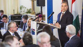Brüsszel, 2017. január 26. A Miniszterelnöki Sajtóiroda által közreadott képen Orbán Viktor miniszterelnök elõadást tart az Antall József Tudásközpont és a Konrad Adenauer Alapítvány rendezvényén a Konrad Adenauer Alapítvány (KAS) brüsszeli székházában 2017. január 26-án. MTI Fotó: Miniszterelnöki Sajtóiroda / Szecsõdi Balázs
