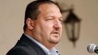Jánkmajtis, 2015. augusztus 25. Németh Szilárd fideszes országgyûlési képviselõ (Fidesz) beszédet mond a szatmári térség és környéke zöldség- és gyümölcsterméki, valamint dió exportálásával foglalkozó Agricolae cégcsoport vendégházának avatásán Jánkmajtisban 2015. augusztus 25-én. MTI Fotó: Vajda János