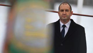 Szófia, 2017. január 22. Rumen Radev új bolgár elnök a beiktatási ünnepségén Szófiában 2017. január 22-én, a parlamenti eskütétele után három nappal. A 2016. november 13-i elnökválasztás gyõztese Roszen Plevneliev leköszönõ államfõt váltja. (MTI/EPA/Vaszil Donyev)