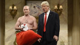 """SATURDAY NIGHT LIVE -- """"Casey Affleck"""" Episode 1714 -- Pictured: (l-r) Beck Bennett as Russian President Vladimir Putin and Alec Baldwin as Donald Trump during the """"Donald Trump Christmas Cold Open"""" sketch on December 17, 2016 -- (Photo by: Will Heath/NBC/NBCU Photo Bank via Getty Images)"""