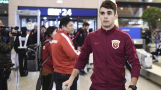 SHANGHAI, CHINA - JANUARY 03:  Oscar of Shanghai SIPG arrives at Pudong International Airport prior to his team's departure to the Doha training camp on January 3, 2017 in Shanghai, China.  (Photo by VCG/VCG via Getty Images)