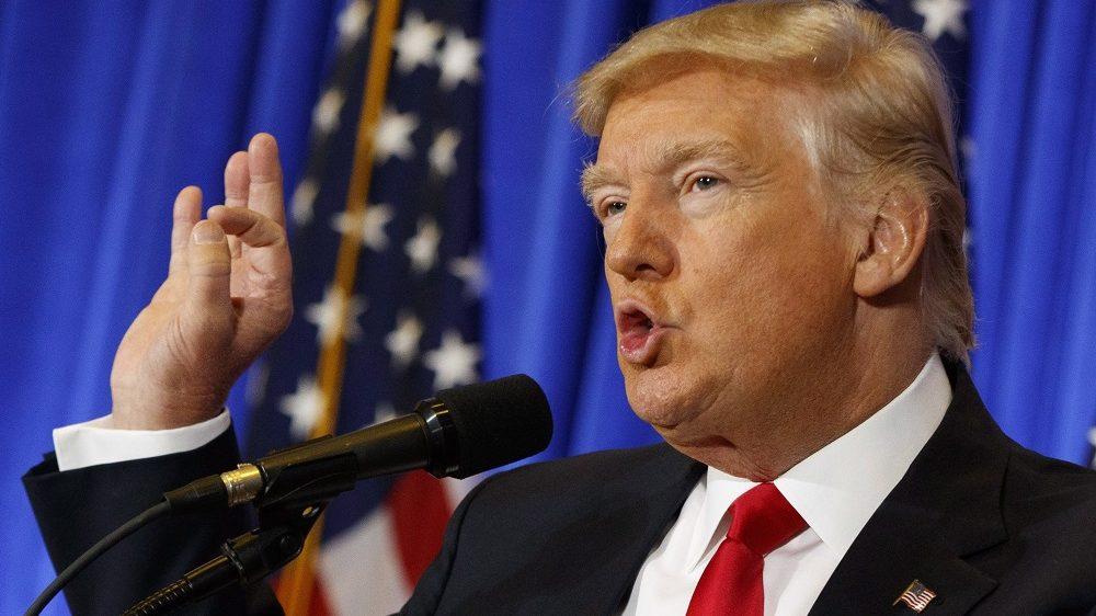New York, 2017. január 11. Donald Trump megválasztott amerikai elnök e minõségében elsõ sajtóértekezletét tartja a New York-i Trump-torony elõcsarnokában 2017. január 11-én. (MTI/AP/Evan Vucci)