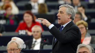 Strasbourg, 2017. január 17. Az Európai Parlament (EP) elnökválasztásán induló Antonio Tajani olasz néppárti képviselõ felszólal a parlament plenáris ülésén Strasbourgban 2017. január 17-én. Ezen a napon az uniós testület új elnököt választ a leköszönõ Martin Schulz tisztségének betöltésére, a nyolc frakció hét elnökjelöltet indított. (MTI/AP/Jean-Francois Badias)