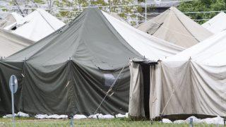 Körmend, 2016. április 28. A körmendi rendészeti szakközépiskola területén felépült ideiglenes migrációs befogadóállomás 2016. április 28-án. Az állomás május 2-án megkezdi mûködését. MTI Fotó: Varga György