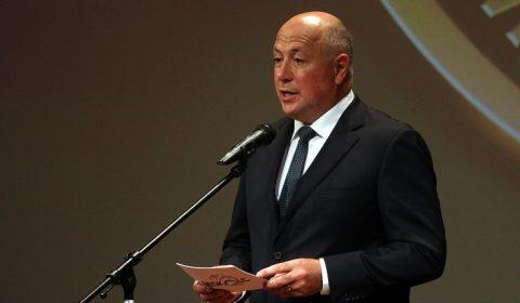 Miskolc, 2016. szeptember 9. Kriza Ákos polgármester beszédet mond a 13. Miskolci Nemzetközi Filmfesztivál hivatalos megnyitó ünnepségén és díjátadó ceremóniáján a miskolci Mûvészetek Házában 2016. szeptember 9-én. MTI Fotó: Vajda János