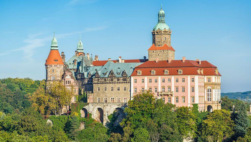 Ez A Lengyel Kastély Lett Volna Hitler Otthona, Ha A Nácik