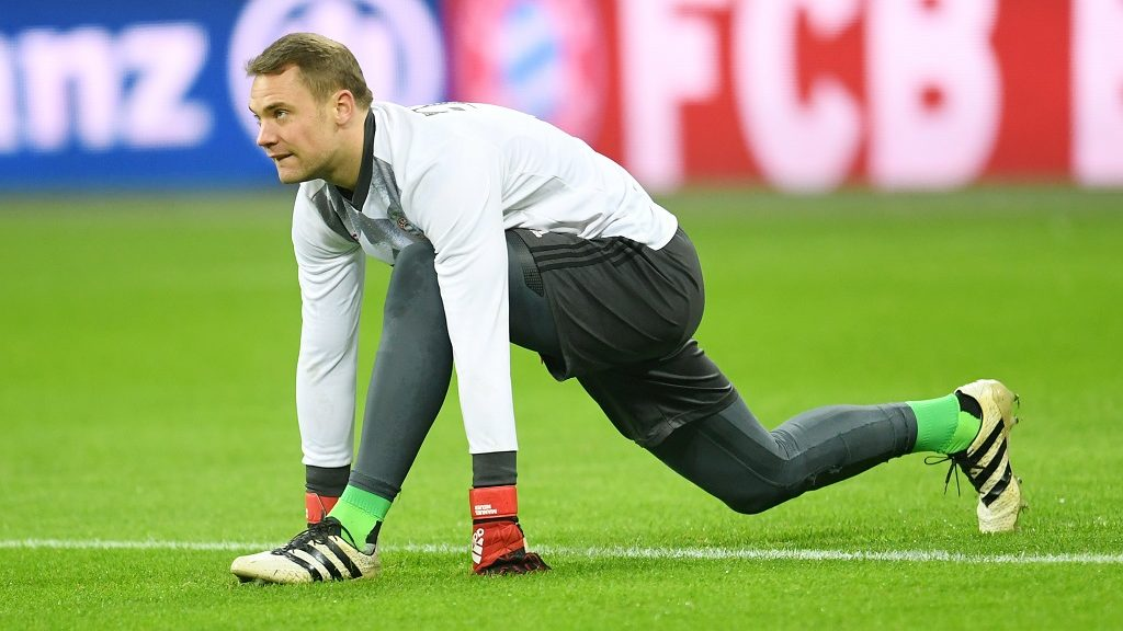 Munich's goalkeeper Manuel Neuer warms up before the German Bundesliga soccer match between Bayern Munich and RB Leipzig in the Allianz Arena in Munich, Germany, 21 December 2016. Bayern Munich beat Leipzig 3:0.   (EMBARGO CONDITIONS - ATTENTION: Due to the accreditation guidelines, the DFL only permits the publication and utilisation of up to 15 pictures per match on the internet and in online media during the match.) Photo: Tobias Hase/dpa