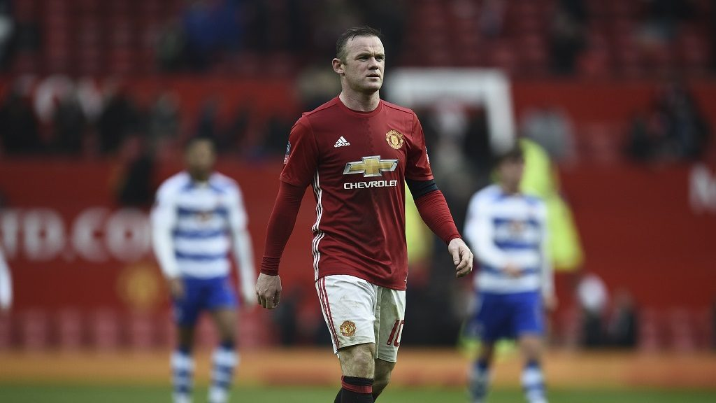 Manchester United's English striker Wayne Rooney leaves the field at the end of the English FA Cup third round football match between Manchester United and Reading at Old Trafford in Manchester, north west England, on January 7, 2017. / AFP PHOTO / Oli SCARFF / RESTRICTED TO EDITORIAL USE. No use with unauthorized audio, video, data, fixture lists, club/league logos or 'live' services. Online in-match use limited to 75 images, no video emulation. No use in betting, games or single club/league/player publications.  /