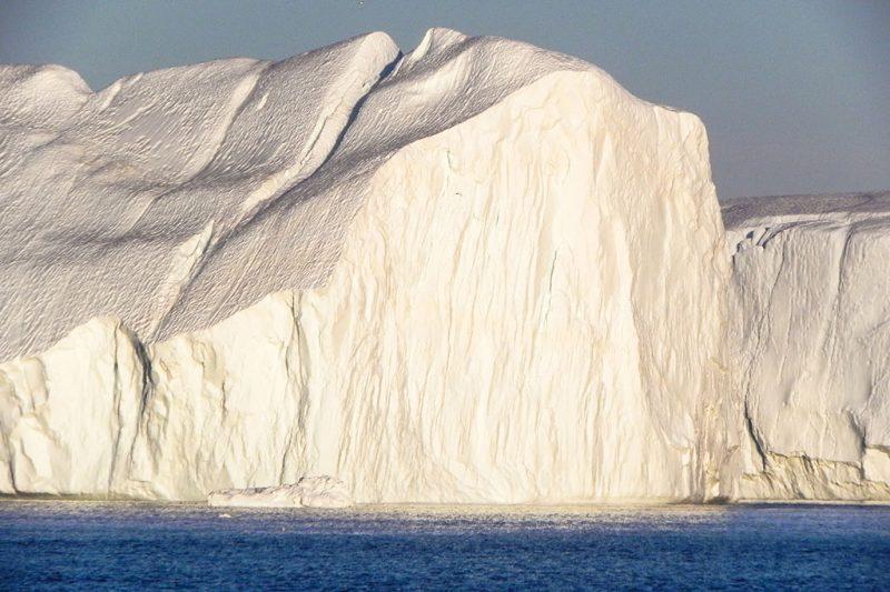 entlang der Eiskante des Kania Eisfjords