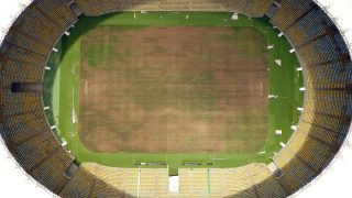 View of the world-famous Maracana Stadium in Rio de Janeiro on January 18, 2017.  After playing a key role in the 2014 World Cup and 2016 Olympic Games, hosted by Brazil, the iconic Maracana Stadium has fallen into a state of abandon due to a contract dispute, and is closed to tourists. / AFP PHOTO / VANDERLEI ALMEIDA
