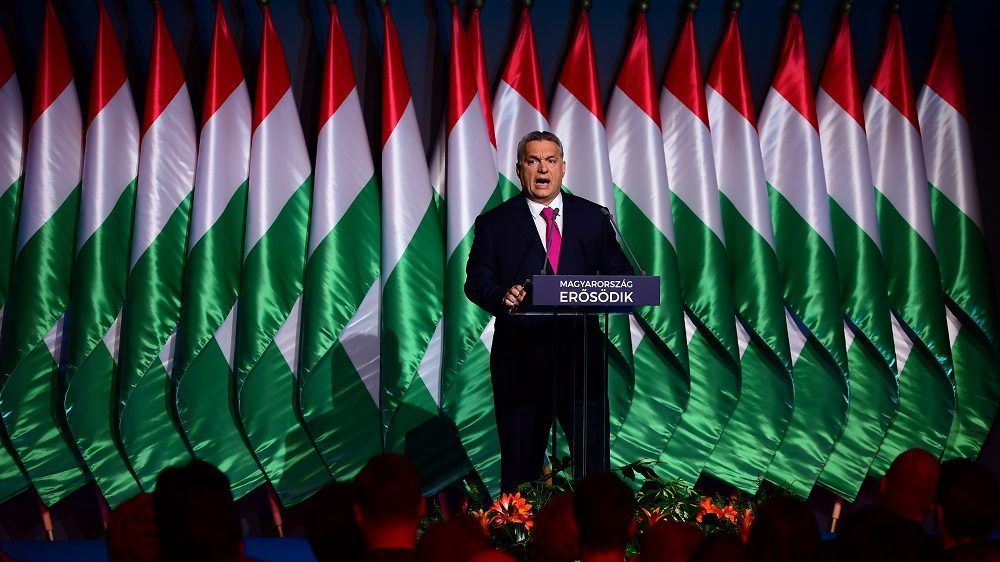Hungarian Prime Minister and Chairman of FIDESZ party Viktor Orban delivers his state of the nation address in front of his party members and sypathizers at Varkert Bazar cultural center of Budapest,on February 10, 2017. / AFP PHOTO / ATTILA KISBENEDEK