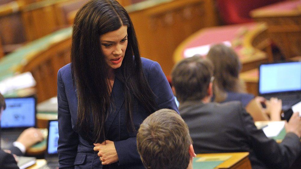 Budapest, 2015. június 29. Demeter Márta szocialista képviselõ az Országgyûlés plenáris ülésén 2015. június 29-én. MTI Fotó: Kovács Tamás