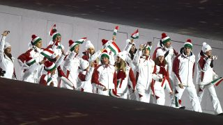 Szocsi, 2014. február 7.A magyar csapat bevonul a 2014-es szocsi téli olimpia megnyitóünnepségére a Fist Olimpiai Stadionba 2014. február 7-én.MTI Fotó: Illyés Tibor