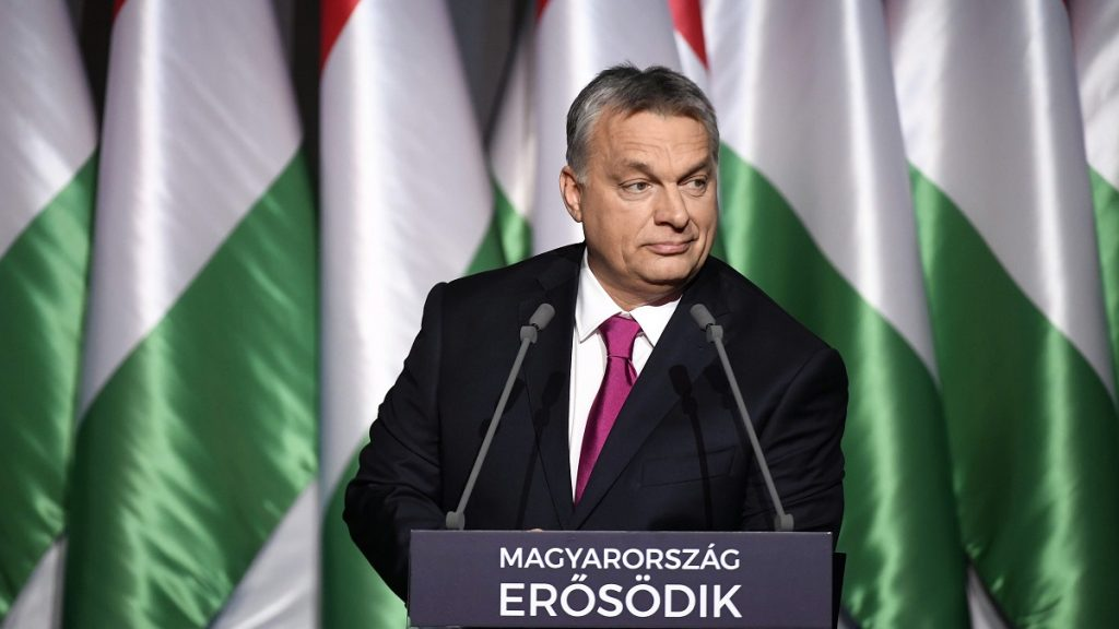 Budapest, 2017. február 10.Orbán Viktor miniszterelnök hagyományos évértékelő beszédét tartja a Várkert Bazárban 2017. február 10-én.MTI Fotó: Koszticsák Szilárd