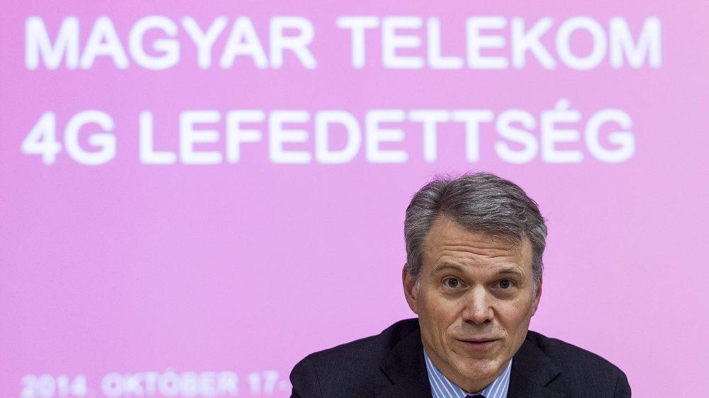 Budapest, 2014. október 17. Christopher Mattheisen, a Magyar Telekom vezérigazgatója a Nemzeti Média- és Hírközlési Hatóság (NMHH) és a Magyar Telekom közös sajtótájékoztatóján az NMHH fõvárosi székházában 2014. október 17-én. A Magyar Telekom 4G lefedettsége a jelenlegi 53-ról 73 százalékosra nõ október 18-tól, miután használatba veszi a tenderen elnyert frekvenciákat. MTI Fotó: Szigetváry Zsolt