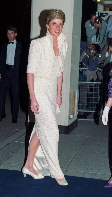 LONDON, UNITED KINGDOM - OCTOBER 17:   Diana, Princess of Wales attends The British Fashion Awards, at The Royal Albert Hall, on October 17, 1989  in London, United Kingdom. (Photo by Julian Parker/UK Press via Getty Images)