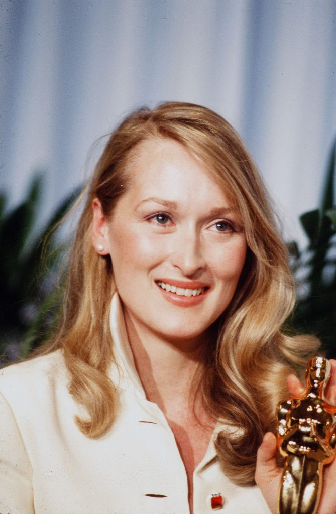 """LOS ANGELES,CA - APRIL 14,1980: Actress Meryl Streep poses backstage after winning """"Best Supporting Actress"""" during the 52nd Academy Awards at Dorothy Chandler Pavilion in Los Angeles,California. (Photo by Michael Montfort/Michael Ochs Archives/Getty Images)"""