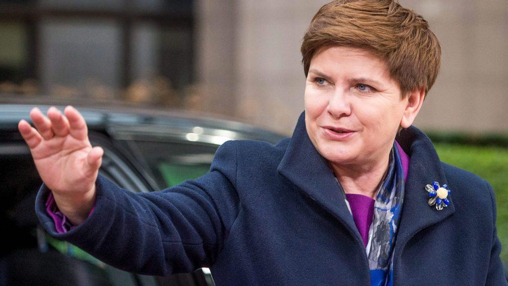 Brüsszel, 2016. március 7. Beata Szydlo lengyel miniszterelnök megérkezik az Európai Unió és Törökország vezetõinek rendkívüli migrációs csúcstalálkozójára Brüsszelben 2016. március 7-én. (MTI/EPA/Stephanie Lecocq)