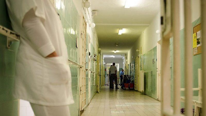 Image: 73413533, Tökölön található az ország egyetlen rabkórháza. Az ország összes büntetés-végrehajtási intézetéből irányítanak ide beteg fogvatartottakat, ha az anyaintézmény már nem tudja őket ellátni. Az egyszerű gyomorrontástól a végstádiumú rákig minden betegséget kezel a személyzet a háromszáz ágyas intézményben., Place: Tököl, Hungary, License: Rights managed, Model Release: No or not aplicable, Property Release: Yes, Credit: smagpictures.com