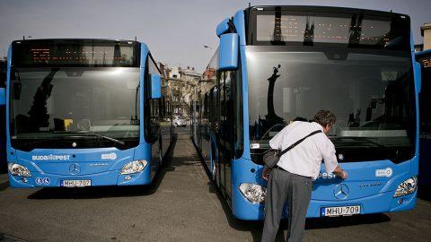 Image: 73483992, A hamarosan forgalomba álló új Mercedes-Benz Citaro autóbuszok a budapesti Hősök terén, a járművek átadása alkalmából tartott ünnepségen, Place: Budapest, Hungary, License: Rights managed, Model Release: No or not aplicable, Property Release: Yes, Credit: smagpictures.com