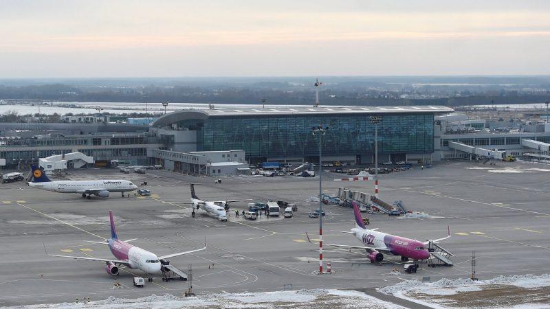A HungaroControlhoz kerül a repülőtéri forgalom irányítása