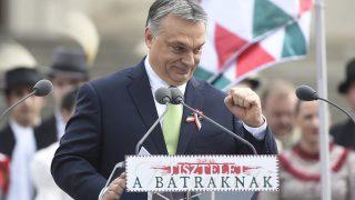 Budapest, 2017. március 15.Orbán Viktor miniszterelnök beszédet mond az 1848-49-es forradalom és szabadságharc 169. évfordulója alkalmából rendezett állami ünnepségen a Magyar Nemzeti Múzeum előtt 2017. március 15-én.MTI Fotó: Kovács Tamás
