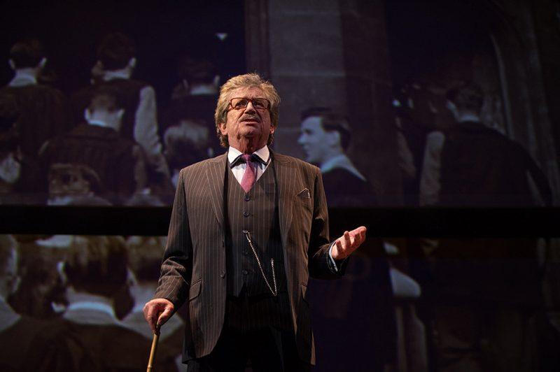 Budapest, 2017. február 21.Kern András játszik Leopold szerepében Woody Allen Szentivánéji szexkomédia című vígjátéka próbáján a Vígszínházban 2017. február 21-én. A darabot február 24-én mutatják be Alekszandr Bargman rendezésében.MTI Fotó: Kallos Bea