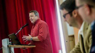 Budapest, 2016. szeptember 30.Bayer Zsolt publicista a Fidelitas országos választmányának ülésén a fővárosi Aranytíz Kultúrházban 2016. szeptember 30-án.MTI Fotó: Balogh Zoltán