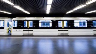 Metrófelújítás - Forgalomba áll az első felújított szerelvény