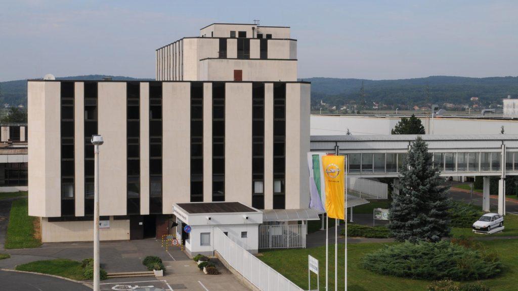 Gazdaság - Az Opel bővíti motorgyárát