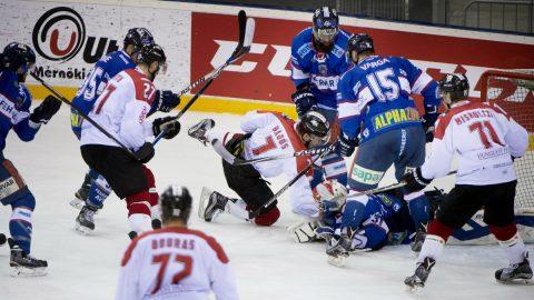 Nem foghatnak kezet az ellenfelekkel a fehérvári hokisok