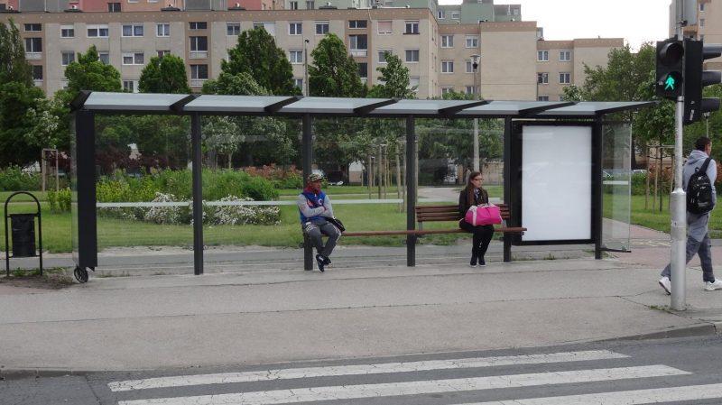 Ilyen buszvárókat épített volna a JCDecaux Fehérvár több pontján
