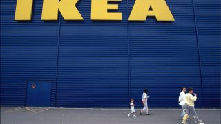 FRANCE - AUGUST 13:  Ikea Shops Open On Sunday - On August 13th, 1989 -   (Photo by Alain BUU/Gamma-Rapho via Getty Images)