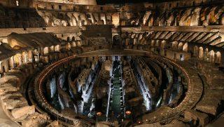 Róma, 2016. március 25. A római Colosseum a hagyományos nagypénteki kálváriajárás, a Via Crucis (keresztút) elõtt 2016. március 25-én. (MTI/EPA/Alessandro Di Meo)