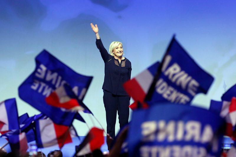 Metz, 2017. március 18.Marine Le Pen, a francia jobboldali Nemzeti Front (FN) elnöke és államfőjelöltje a kelet-franciaországi Metz városában tartott kampányrendezvényén 2017. március 18-án. A francia elnökválasztás első fordulóját április 23-án rendezik. (MTI/EPA/Mathieu Cugnot)