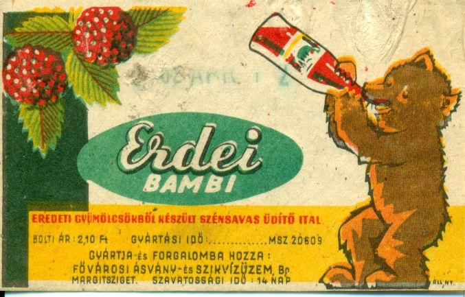 Világos háttér előtt, jobb oldalon egy medve üdítőt iszik, előtte feliratok, balra fent pedig málna szemek láthatóak. A ikonikus Bambi szintetikus üdítőitalt 1947-ben kezdték el gyártani a Hazai Szikvízüzemben, az államosítás után pedig a Fővárosi Ásvány és Szikviz Üzemek kezelésébe került.